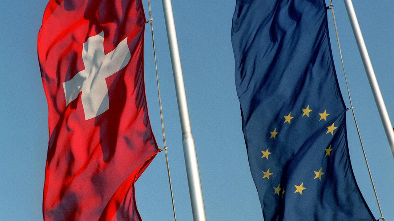 L'initiative de l'UDC pourrait mettre un terme à la voie bilatérale avec l'Union Européenne. [Elisabeth Guenthard - Keystone]