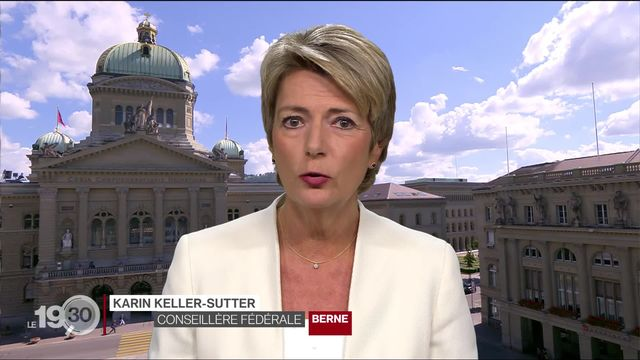 """Karin Keller-Sutter: """"Les frontaliers ont montré qu'ils étaient très importants pendant la crise du coronavirus."""" [RTS]"""