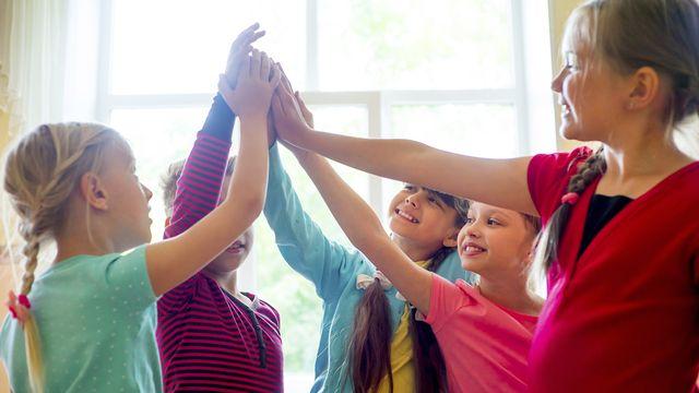 Dans certains cantons seulement, les élèves à haut potentiel peuvent bénéficier dʹun regroupement HPi (Haut Potentiel intellectuel) une demi-journée par semaine. [Lenanichizhenova - Depositphotos]