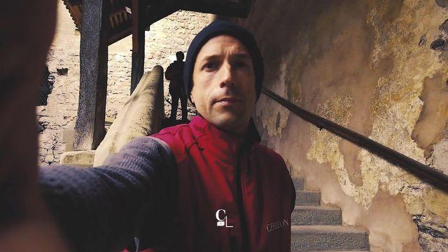 Le château de Chillon, le monument historique le plus visité du pays. En coulisse ils sont nombreux à travailler à son entretien [RTS]