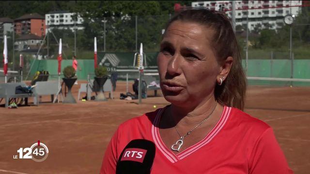 Le tennis et les tournois reprennent vie en Suisse. [RTS]