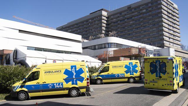 La Suisse connaît une recrudescence des cas depuis le début de la semaine. [Laurent Gillieron - Keystone]