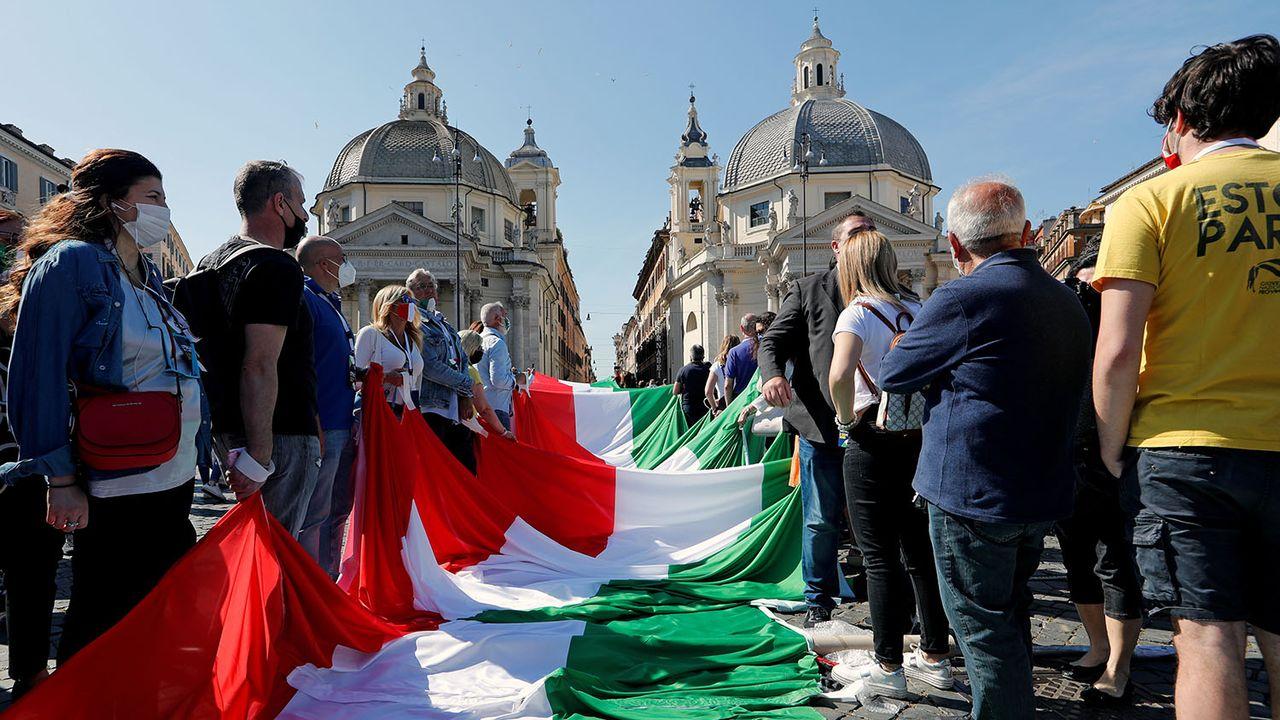 Manifestation de l'opposition contre le gouvernement de Giuseppe Conte à Rome, 02.06.2020. [Remo Casilli - Reuters]