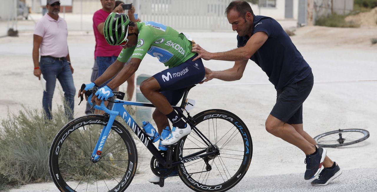Nairo Quintana a mal à un genou et souffre d'égratignures à un coude. [Javier Lizon - Keystone]