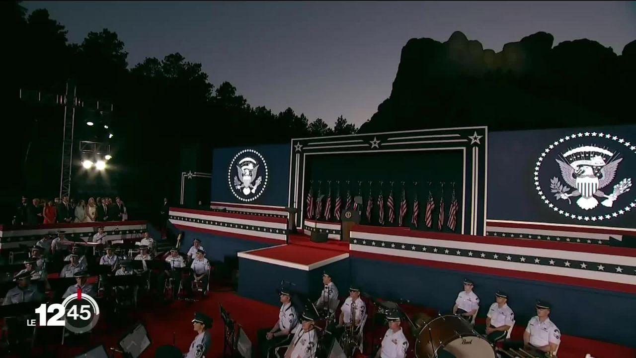Sans masque ni distanciation physique, Donald Trump était au Mont Rushmore pour la fête nationale américaine. [RTS]