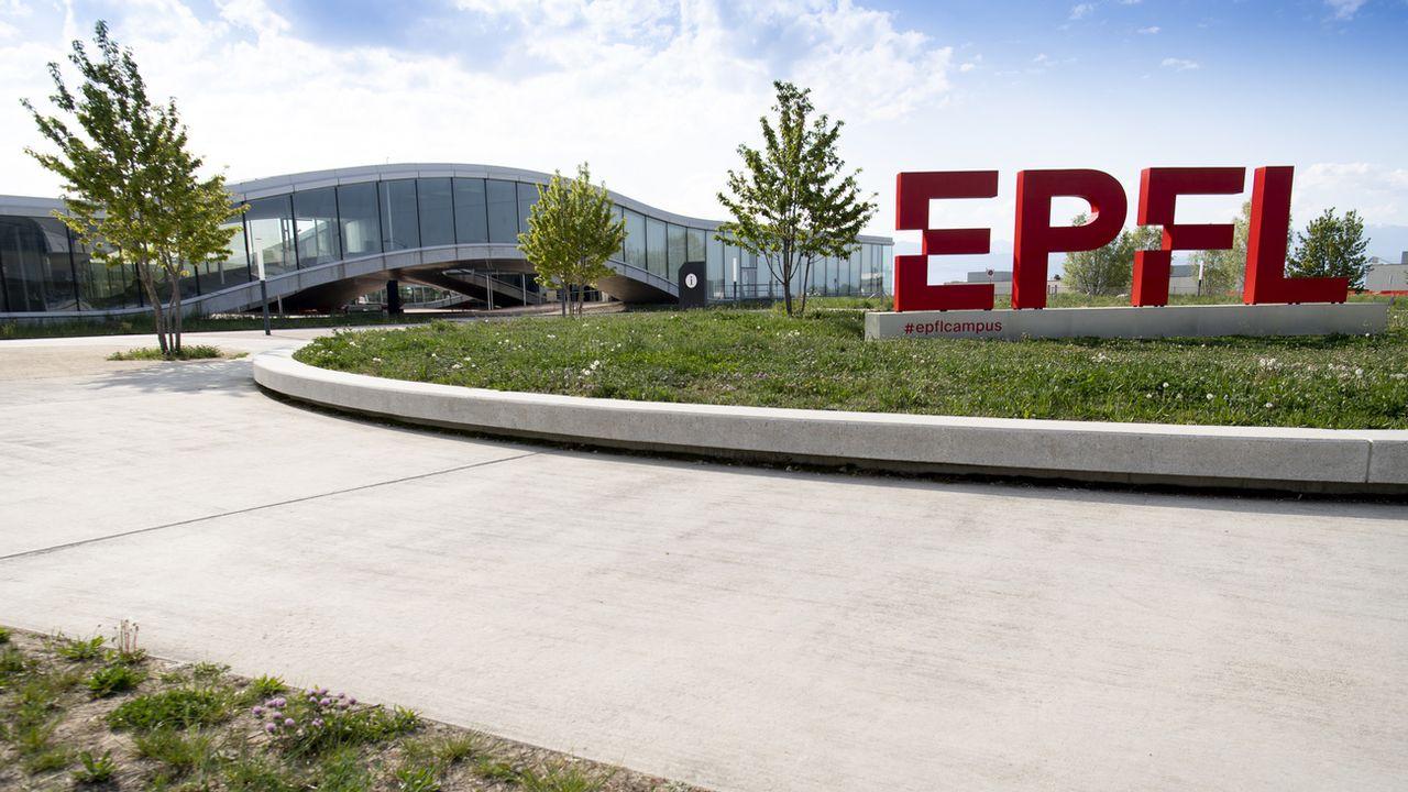 Un laboratoire de l'EPFL a mis au point un moteur de recherche décentralisé et une messagerie sécurisée [Laurent Gillieron - Keystone]