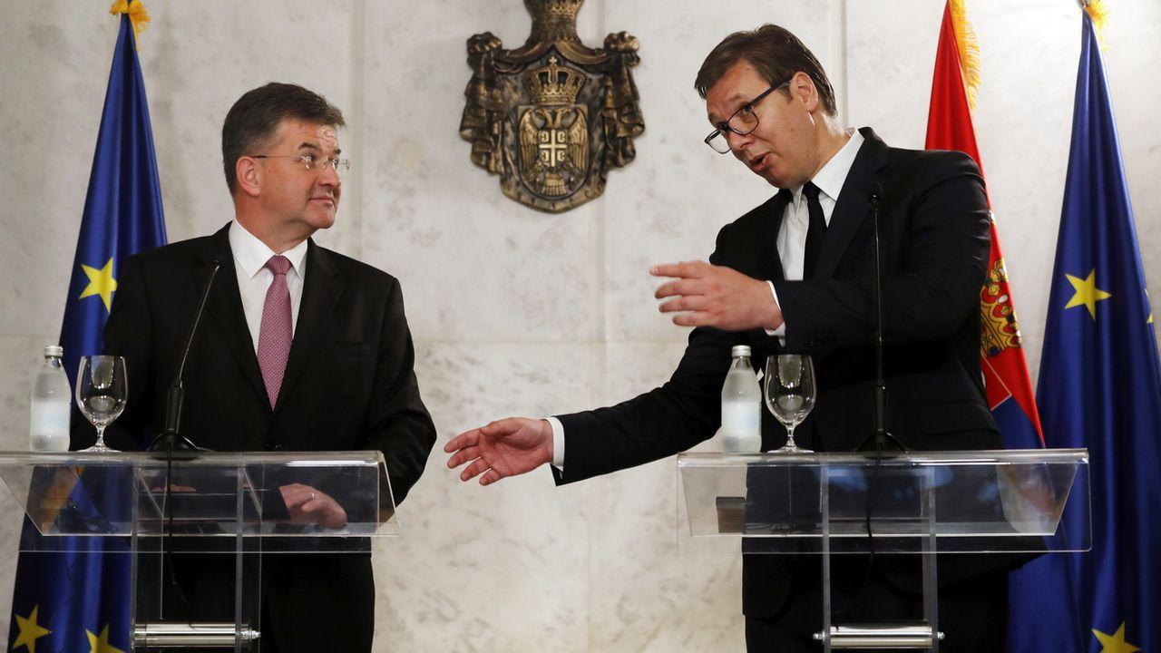 Le représentant spécial de l'UE Miroslav Lajcak et le président serbe Aleksandar Vucic à Belgrade, 22.06.2020. [Koca Sulejmanovic - EPA/Keystone]