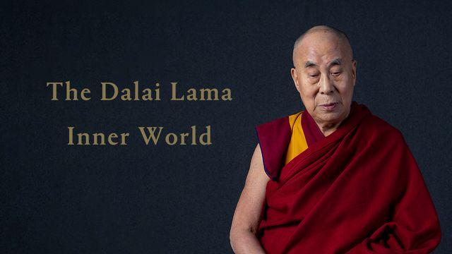 """""""Sagesse"""", """"Compassion"""", """"Courage""""... Le Dalaï Lama a célébré lundi 6 juillet 2020 son 85e anniversaire, en publiant son premier album. Sur """"Inner World"""", il récite des mantras et enseignements bouddhistes sur un fond de musique méditative. [Hitco Entertainment and Khandro Music via AP - Keystone]"""