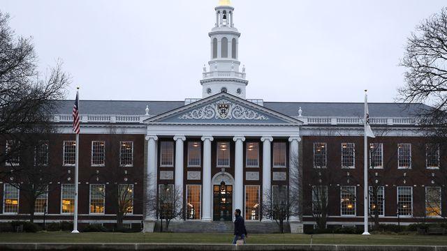 Une vue de la célèbre bibliothèque Baker, sur le campus de l'université d'Harvard à Cambridge, dans le Massachusetts. [Charles Krupa - Keystone]