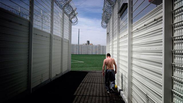 Un détenu dans un centre pénitentiaire. [Jean-Philippe Ksiazek - AFP]