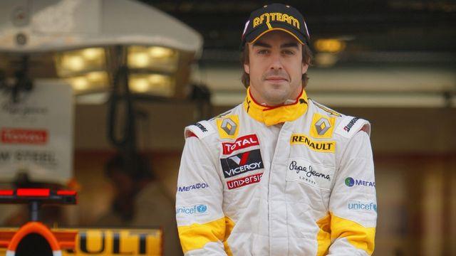 Fernando Alonso en 2009 sous les couleurs de l'écurie Renault [EPA/DIEGO AZUBEL]