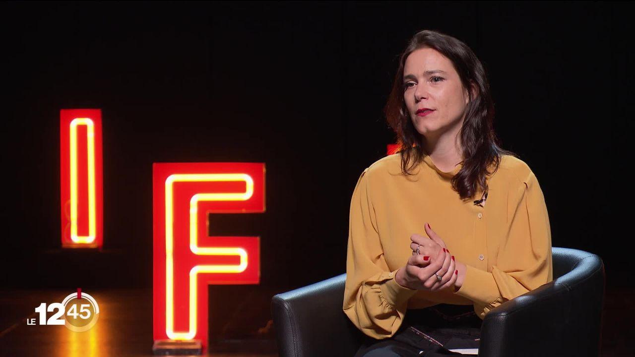 Anaïs Emery, la directrice du NIFFF, s'en va après 20 ans à la tête du festival. Son portrait. [RTS]