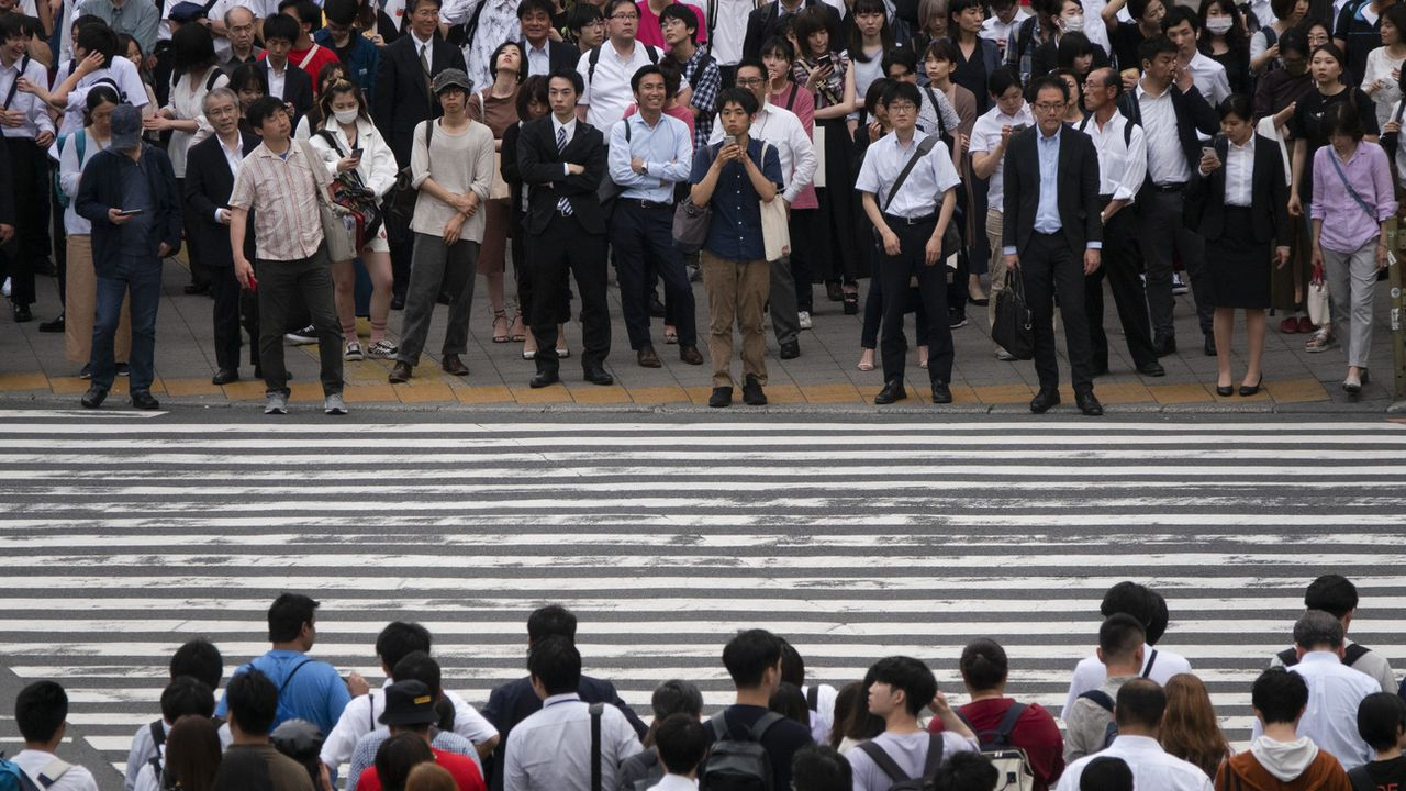 La population japonaise (ici Tokyo) pourrait passer de 128 million à 60 en 2100. [Jae C. Hong - Keystone/ AP Photo]