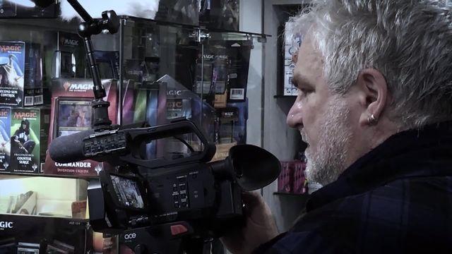 Dans le bureau d'Yves Godel, réalisateur reporter images [RTS]