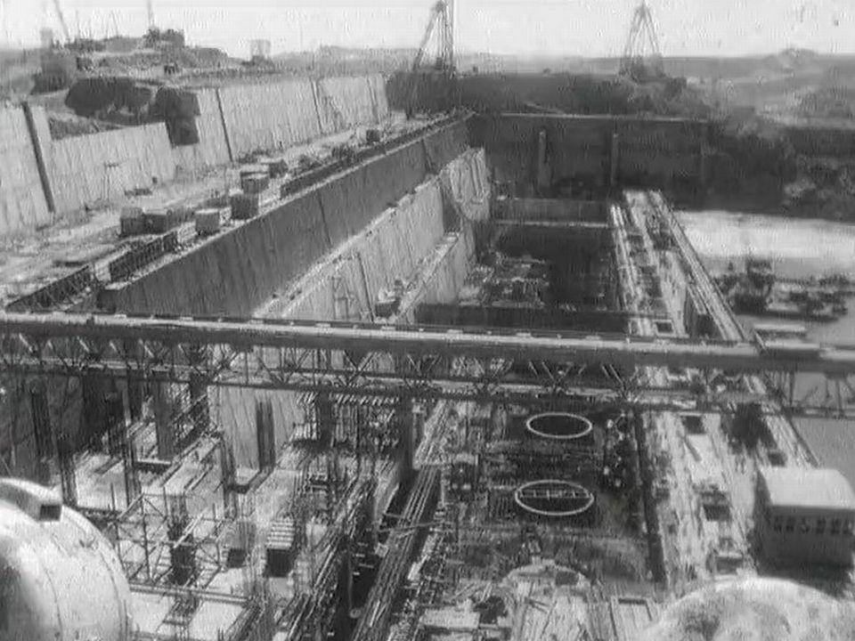 Le chantier du barrage d'Assouan en 1966. [RTS]