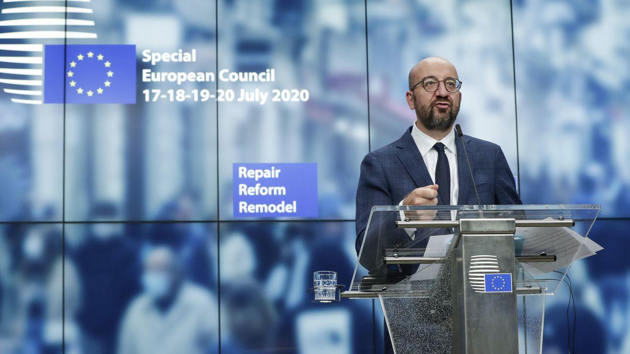 Le président du Conseil européen Charles Michel devant la presse tôt mardi matin 21.07.2020. [Stéphanie Lecocq - Pool/AP/Keystone]