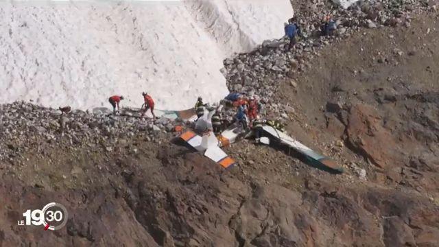 Un petit avion de tourisme s'est écrasé samedi vers midi au-dessus du village de Blatten, dans le Lötschental (VS). [RTS]