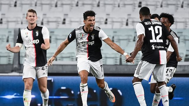 Cristiano Ronaldo: le cri du buteur salué par ses coéquipiers. Et, au bout, le titre pour la Juventus. [MARCO BERTORELLO - AFP]