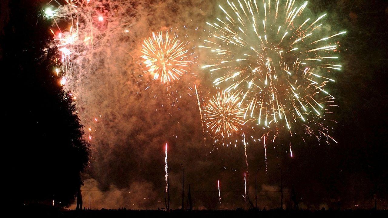 La grande majorité des communes helvétiques ont décidé d'annuler les traditionnels feux d'artifice du 1er août (illustration). [Andree-Noelle Pot - Keystone]