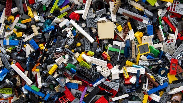 Des pièces de Lego. [Jean-Christophe Bott - Keystone]