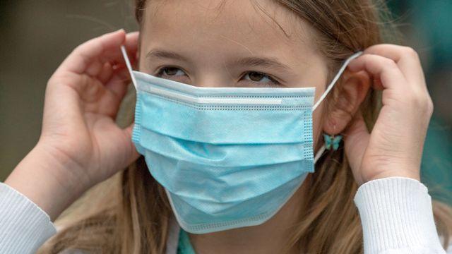 Le masque sera obligatoire dans les écoles post-obligatoires du canton de Neuchâtel [Boris Roessler - Keystone/DPA]