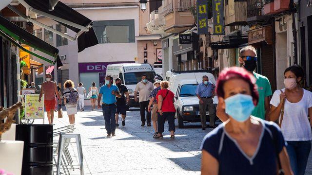 Les voyageurs rentrant d'Espagne (ici Burgos, au centre du pays) devront observer une quarantaine à leur retour en Suisse. [Paco Santamaria - EPA/Keystone]