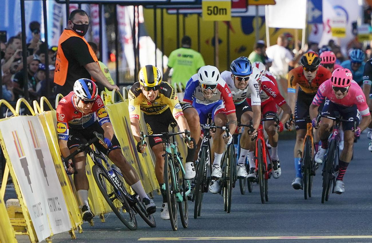 Cyclisme: Fabio Jakobsen dans un état grave mais stable