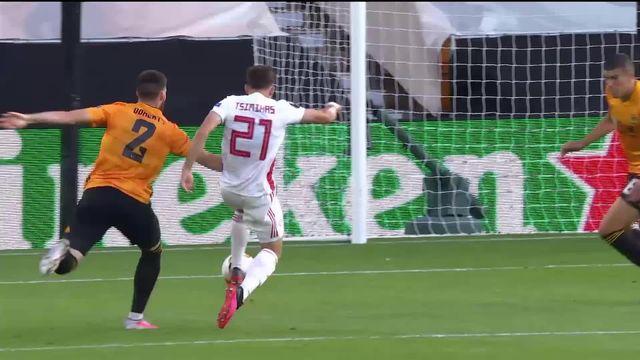 Wolverhampton - Olympiacos (1-0): victoire des Wolves grâce à une offrande du gardien adverse [RTS]