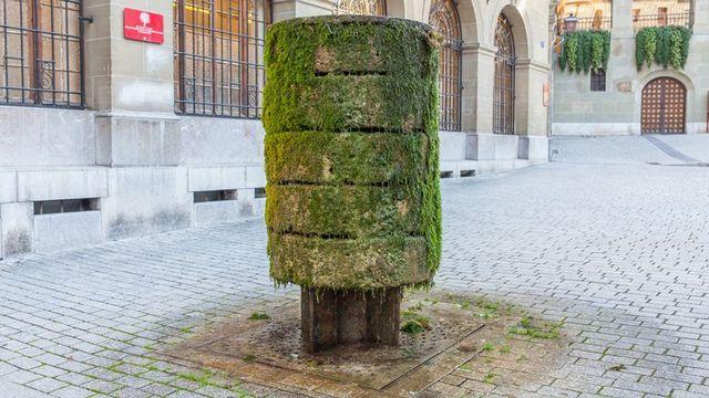 L'une des œuvres proposées au fil de la balade, à la place de La Louve. [Kevin Seisdedos - Ville de Lausanne]