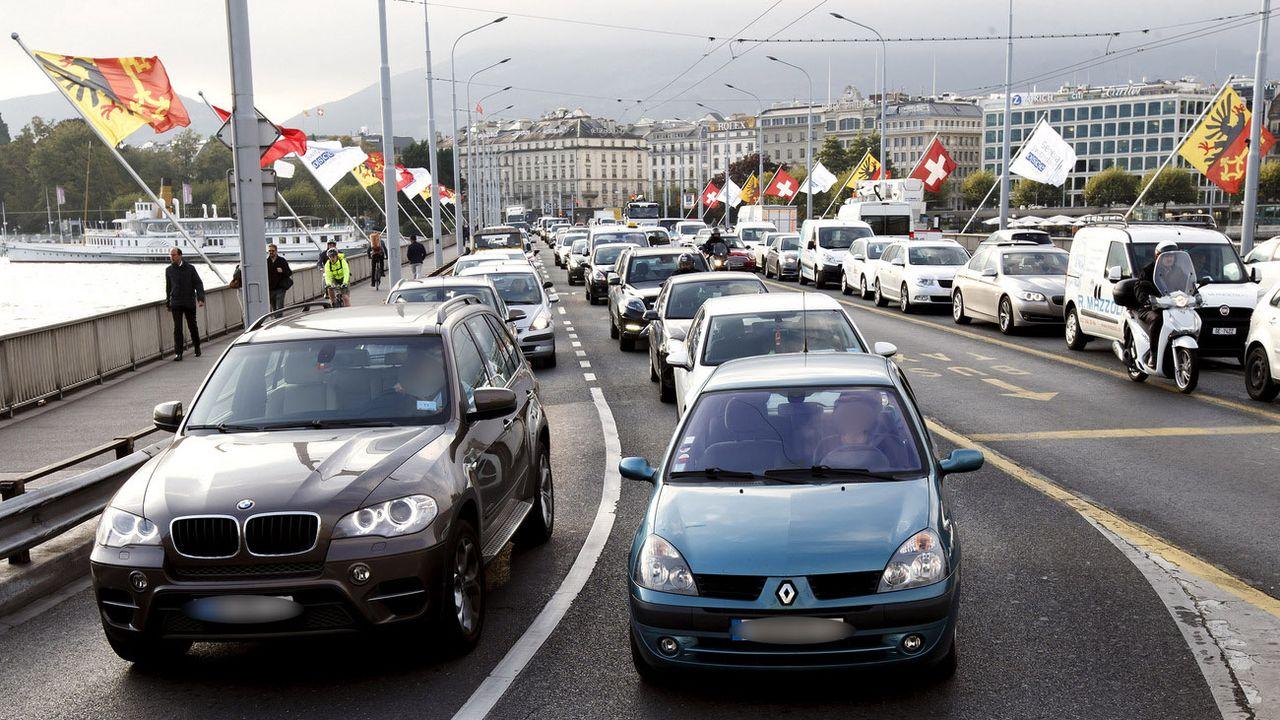 Le trafic n'a pas diminué cette année pendant les vacances d'été à Genève (image d'illustration). [Salvatore Di Nolfi - Keystone]