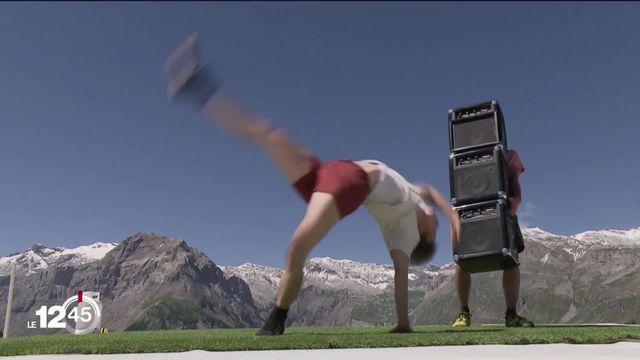Le Cirque au Sommet à Crans-Montana, ou comment redécouvrir cet art en pleine lumière. [RTS]