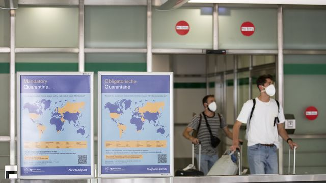 Au retour de nombreux pays, la quarantaine est obligatoire. [Alexandra Wey - Keystone]