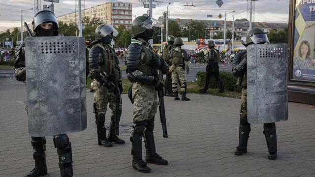 Un citoyen suisse a été arrêté à Minsk lors des protestations. [Tatyana Zenkovich - Keystone/EPA]