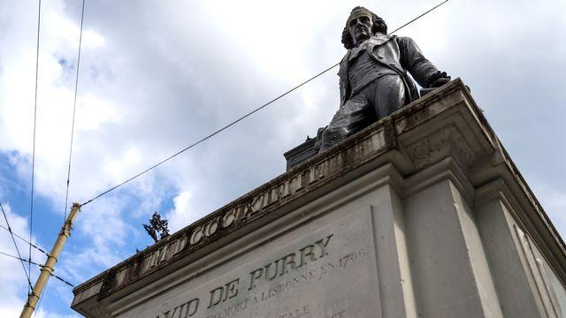 Une vue de la statue de David de Pury à Neuchâtel. [Leandre Duggan - Keystone]