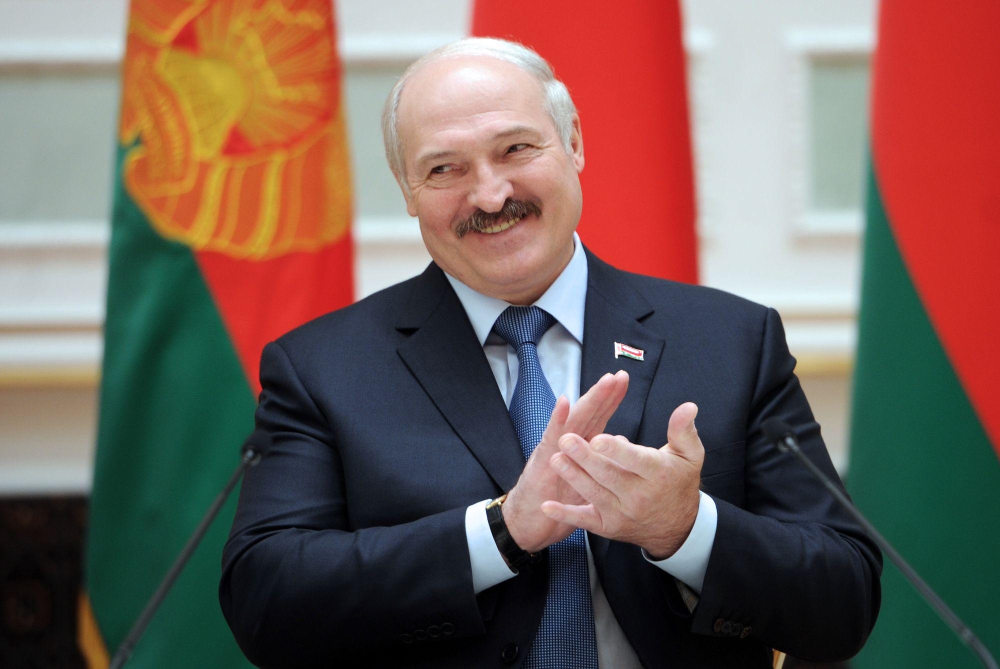 Alexandre Loukachenko investi en catimini malgré la contestation — Biélorussie