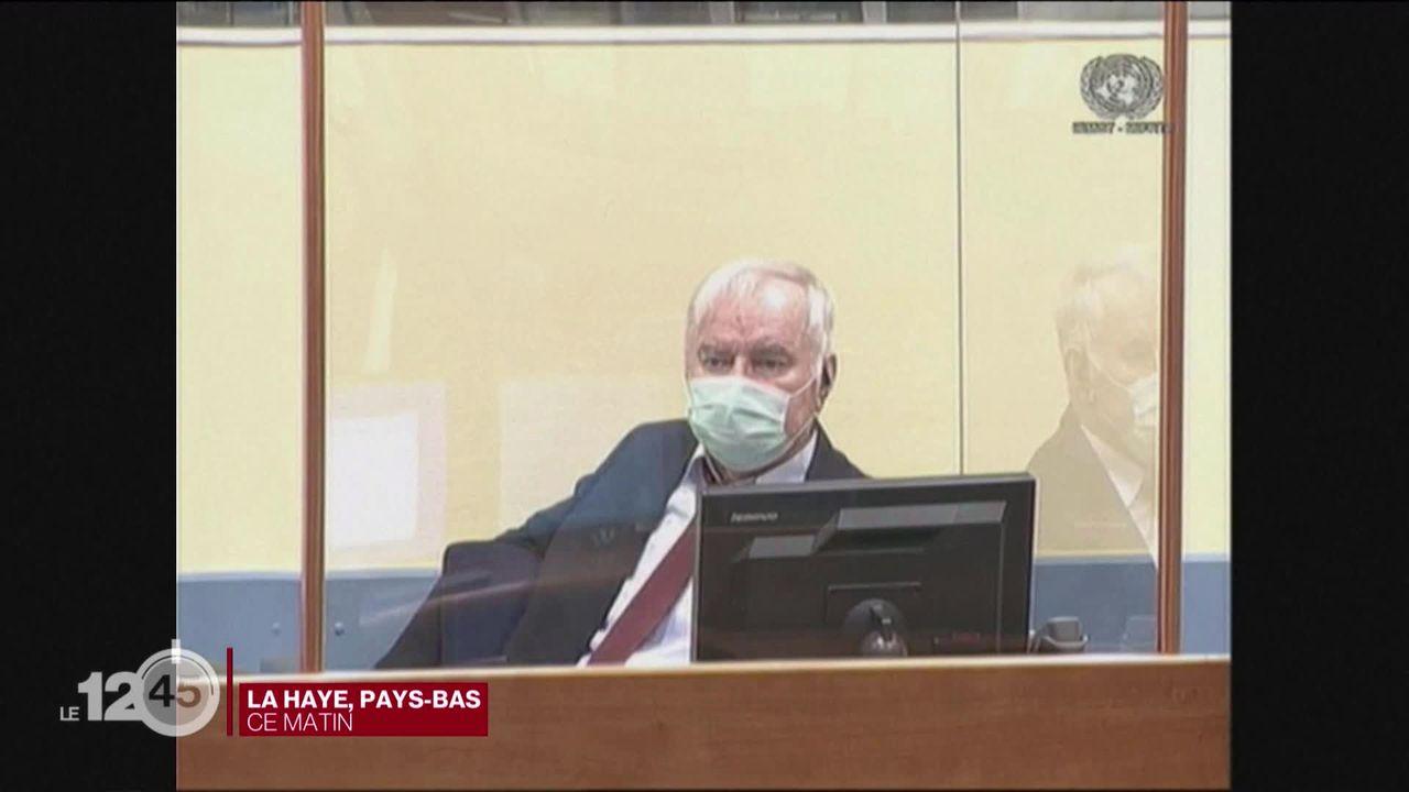 """Le procès en appel de Ratko Mladić, surnommé le """"Boucher des Balkans"""", s'est ouvert ce matin à La Haye. [RTS]"""