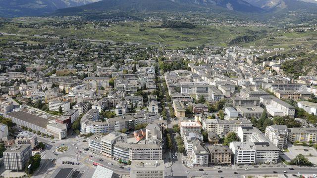La ville de Sion vise de fusionner avec ses voisines d'ici à 2050. [Laurent Gillieron - Keystone]