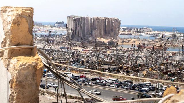 Vue du port de Beyrouth depuis la rue Rabat (quartier Mar Mikhael) daprès les explositions du 4 août 2020. [Dia Mrad - DR]