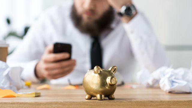 """Pour être plus rentable, le monde des banques investit massivement dans des services bancaires en ligne avec le rêve de """"digitaliser la clientèle"""". [IgorVetushko - Depositphotos]"""