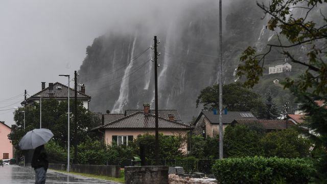 Des chutes d'eau à Osogna, au Tessin. [Ti-Press/Alessandro Crinari - Keystone]
