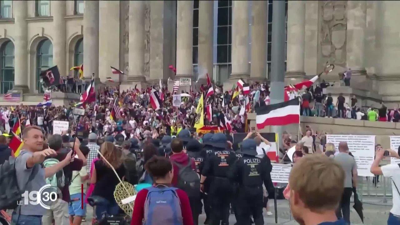 Insignes nazis et Reichstag pris d'assaut: l'Allemagne sous le choc suite aux débordements d'une manifestation anti-masques [RTS]