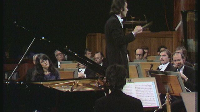 Martha Argerich et Charles Dutoit dans le Concerto n°1 de Tchaikovski le 5 janvier 1975 [RTS]