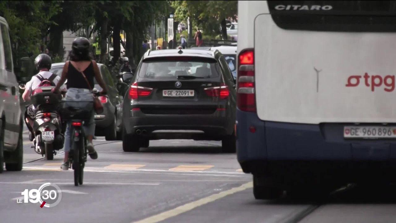 Milieux cyclistes réticents face au casque obligatoire pour les vélos électriques [RTS]