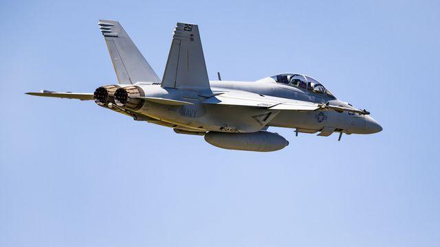 L'achat de nouveaux avions de combat doit notamment remplacer les F/A-18 vieillissants. [Valentin Flauraud - KEYSTONE]