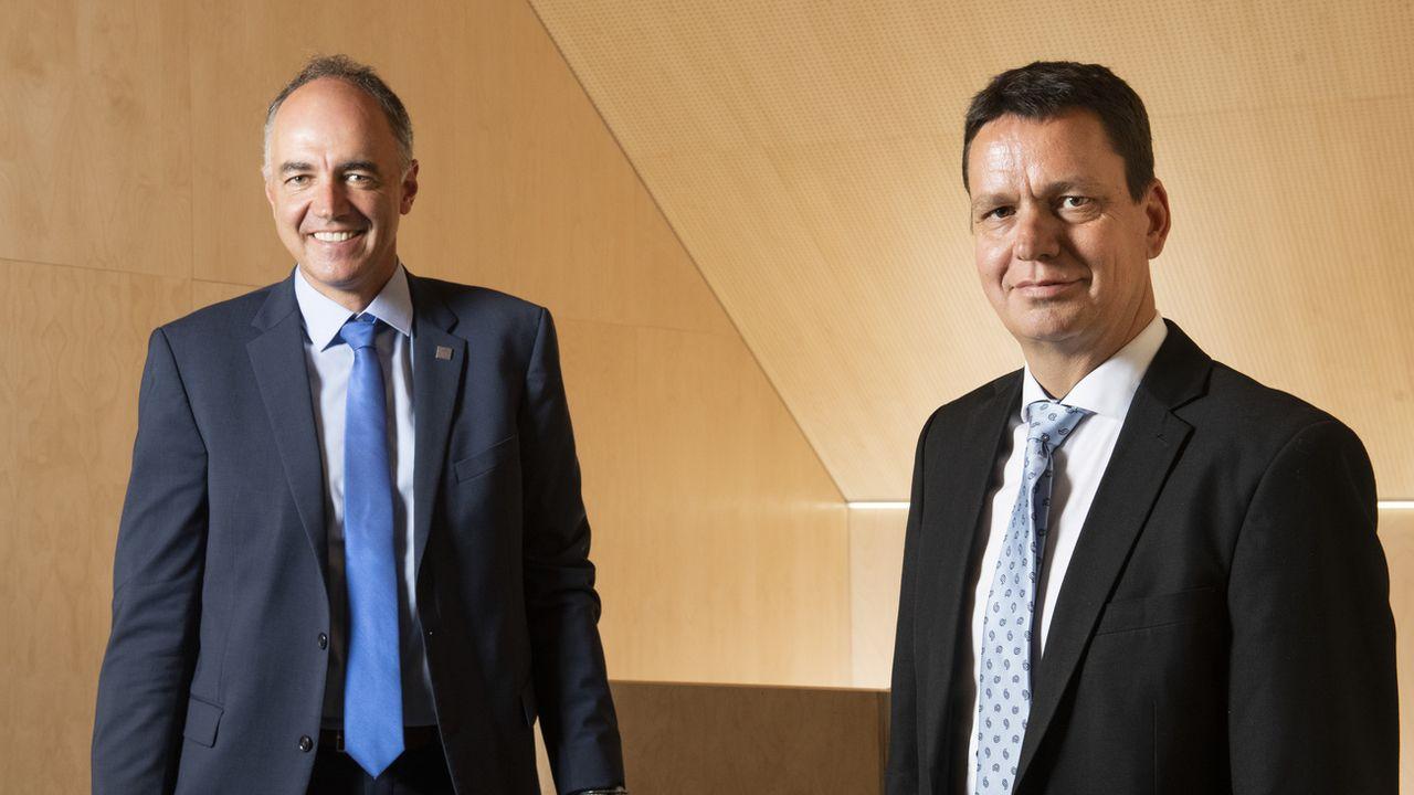 Christophe Darbellay (à gauche) et Serge Gaudin, candidats au Conseil d'Etat valaisan [Louis Dasselborne - KEYSTONE]