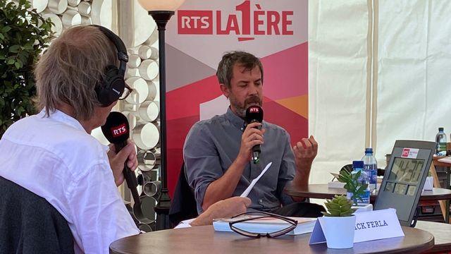 Patrick Ferla, de dos, avec Pascal Janovjak, Lauréat du Prix du public RTS 2020. [Laure Maiburg - RTS]