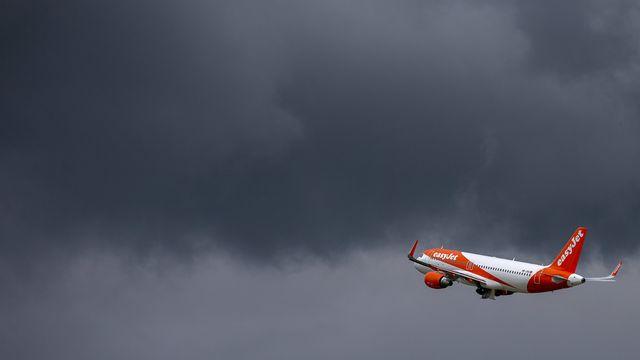 Un Airbus A320 d'EasyJet au décollage depuis Genève le 15 juin 2020 [Salvatore Di Nolfi - Keystone]