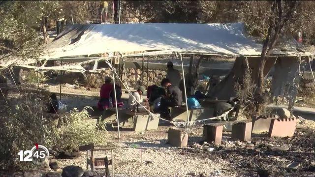 Les humanitaires redoublent d'efforts pour acheminer une aide d'urgence aux 12'000 réfugiés chassés du camp de Moria, à Lesbos [RTS]