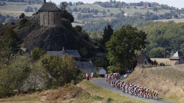 Le Tour de France traverse le Massif central. [Sebastien Nogier - Keystone/EPA]