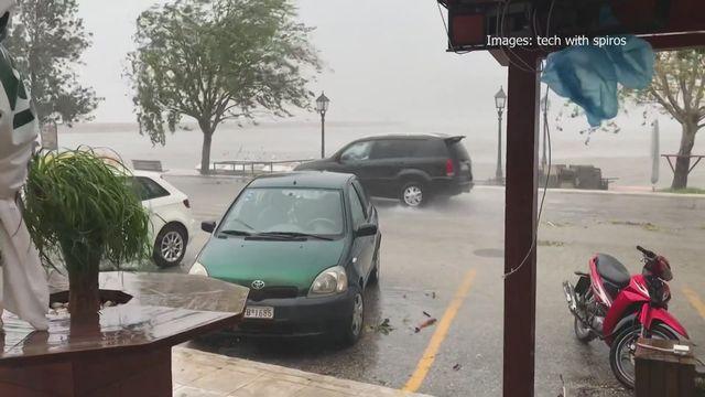 Un rare ouragan méditerranéen balaie l'ouest de la Grèce [RTS]